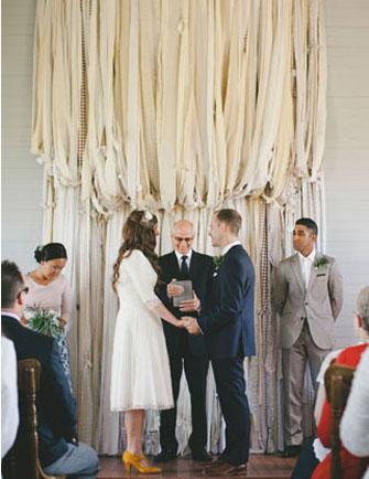 Pretty Ceremony Backdrops | PreOwnedWeddingDresses.com