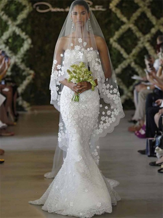 The most romantic wedding dresses ever preowned wedding dresses oscar de la renta wedding dress junglespirit Image collections