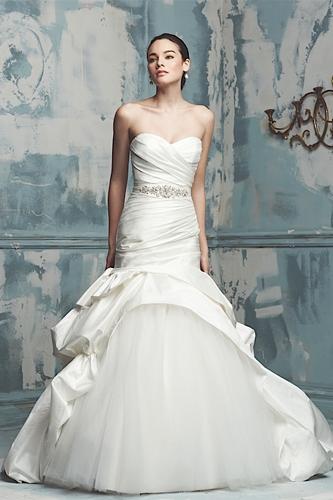 Paloma Blanca 4108 wedding dress