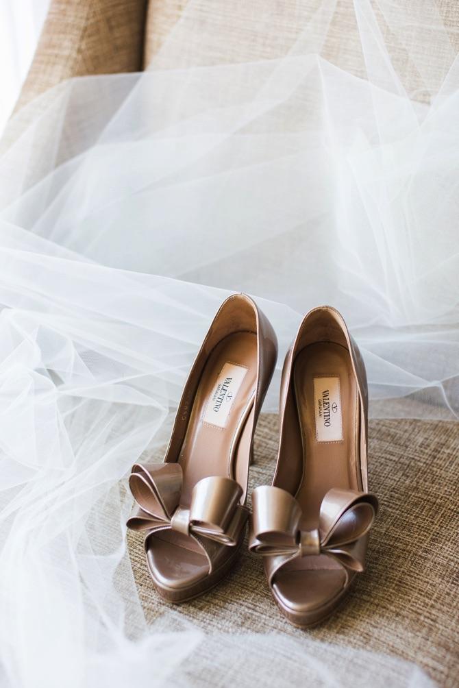 Real Weddings | PreOwnedWeddingDresses.com | Taryn Baxter Photography