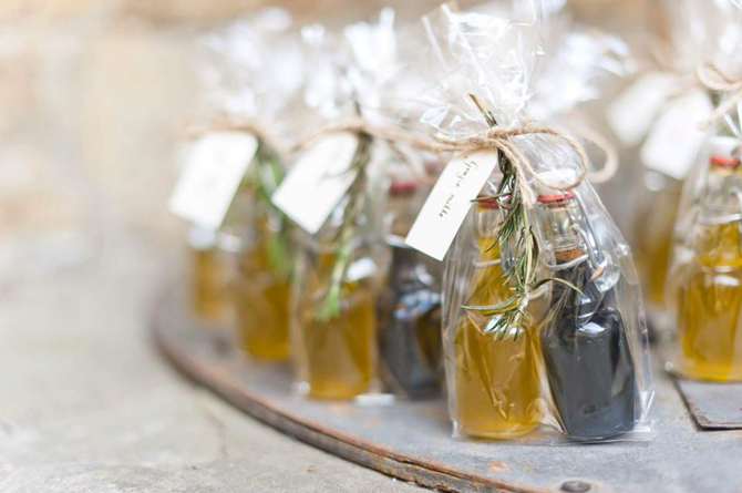 Wedding Favors Your Guests Will Love | PreOwnedWeddingDresses.co