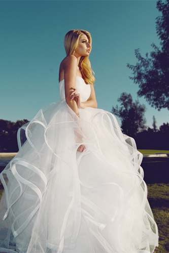 lauren elaine lotus wedding dress
