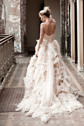 monique lhuillier waltz wedding dress