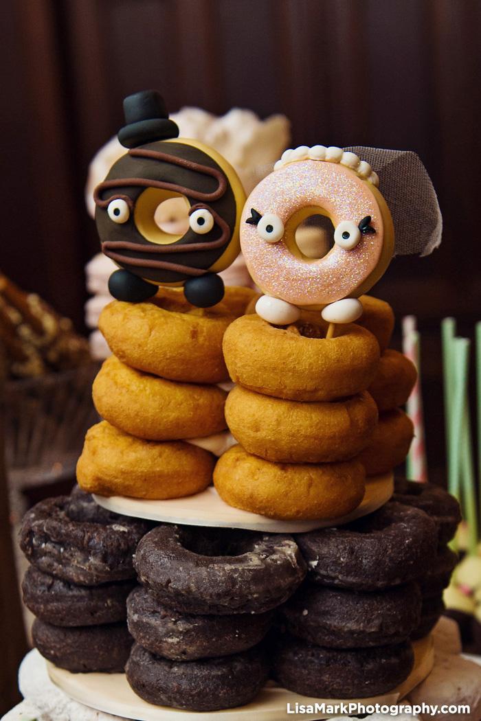 Delightful Donut Displays   PreOwnedWeddingDresses.com