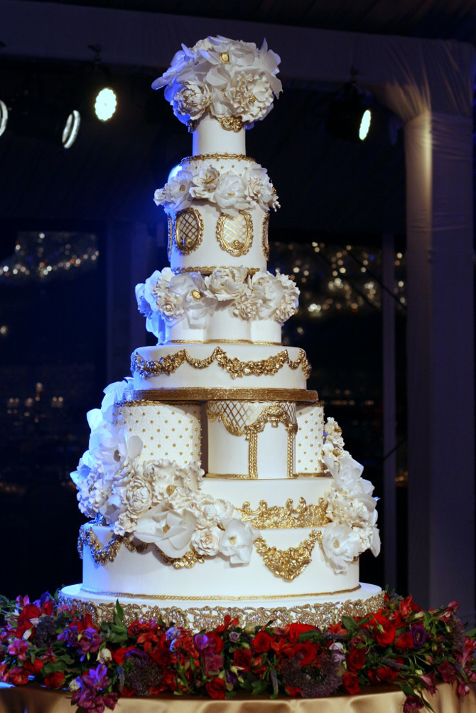 luxury wedding cakes 18 wedding cakes your guests will remember preowned 16965