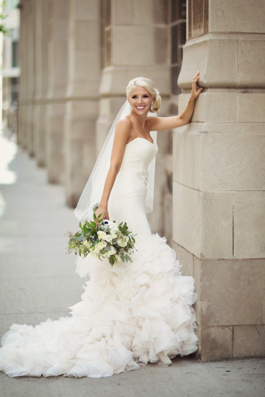 Vera Wang White Real Wedding | PreOwnedWeddingDresses.com