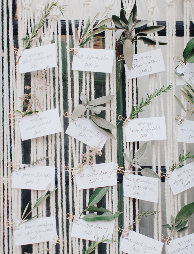 Elegant Escort Cards | PreOwnedWeddingDresses.com