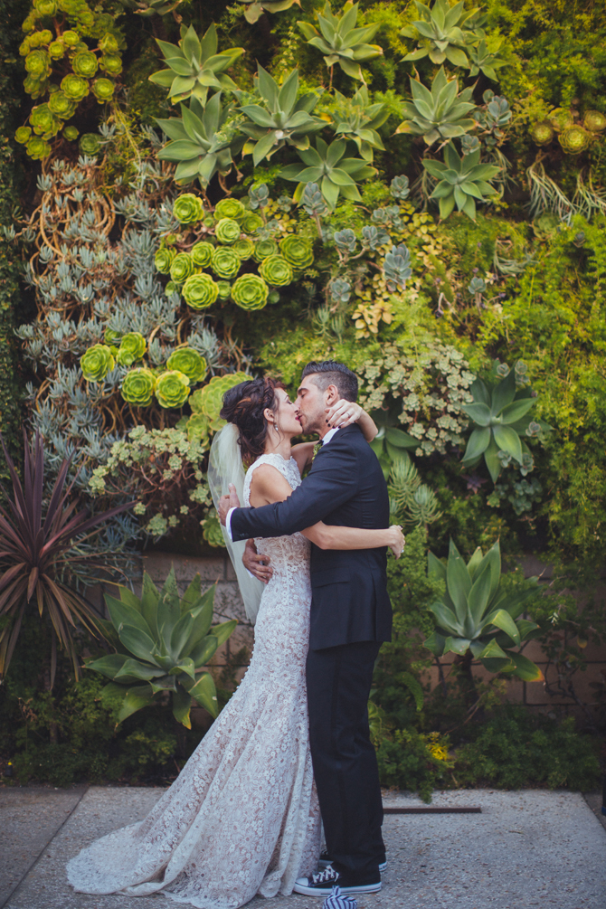 Fabulous Foliage at Weddings | PreOwnedWeddingDresses.com