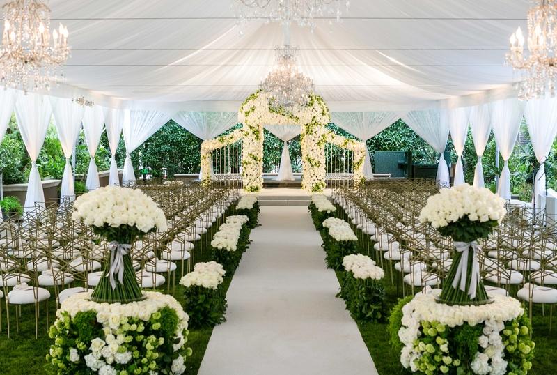 Fabulous Foliage at Weddings | PreOwnedWeddingDresses.com