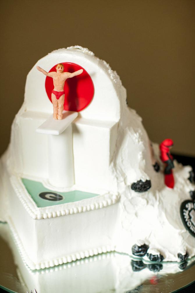 Groom's Cakes   PreOwnedWeddingDresses.com