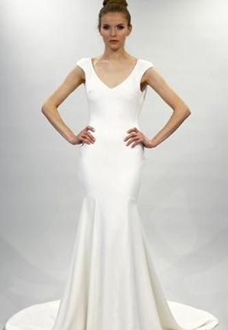 Theia Daria Wedding Dress | PreOwnedWeddingDresses.com