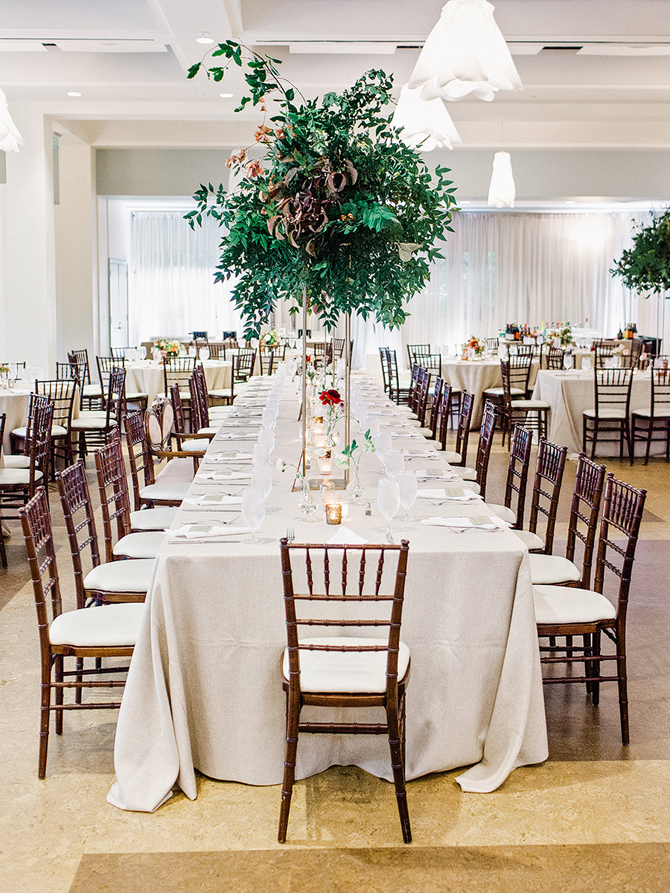 12 Simple Yet Stunning Centerpieces