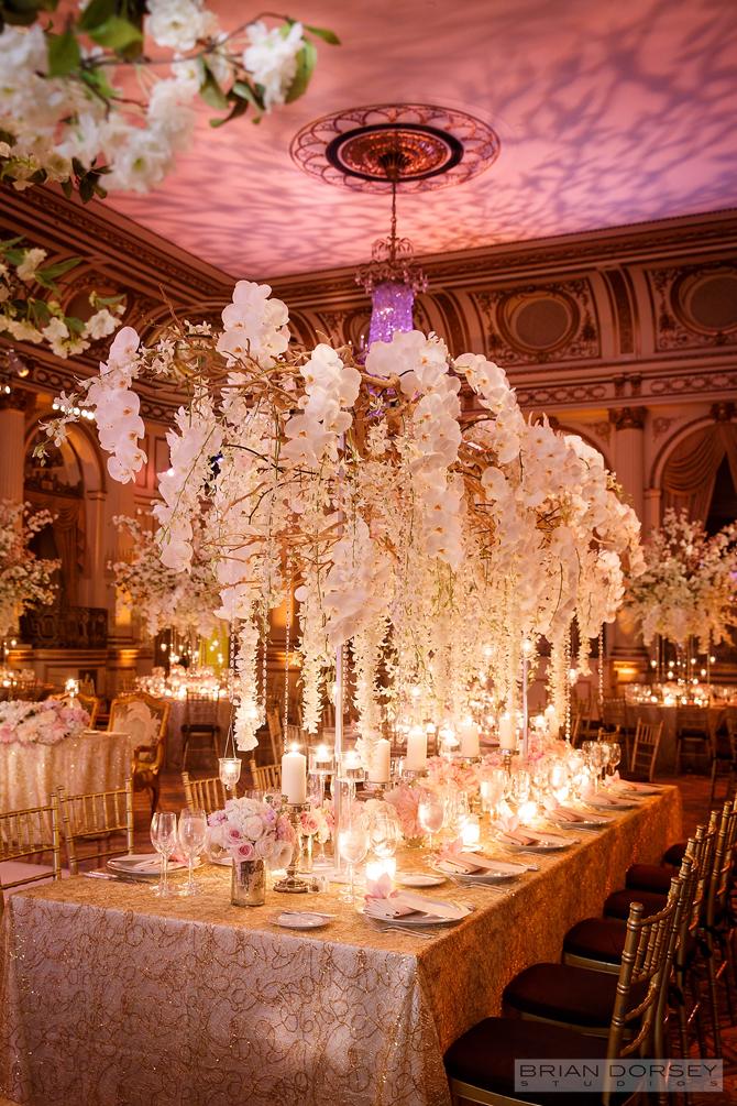 Photo: Brian Dorsey Studios Floral: Tantawan Bloom http://www.tantawanbloom.com/