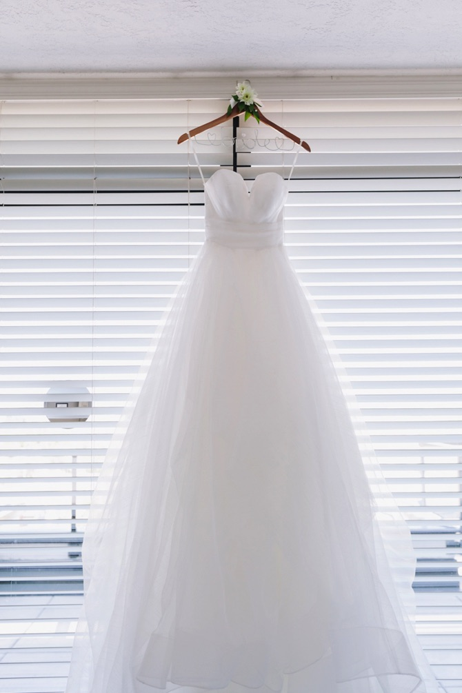 Hayley Paige Real Wedding From Wonderlust Photography | PreOwnedWeddingDresses.com