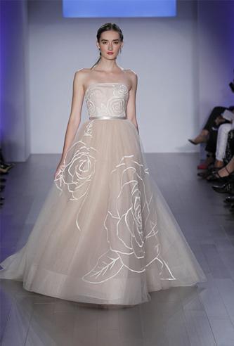 Jim hjelm 8500 wedding dress | PreOwnedWeddingDresses.com