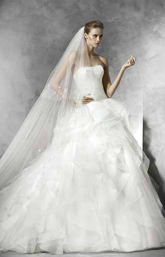 pronovias belia wedding dress for sale