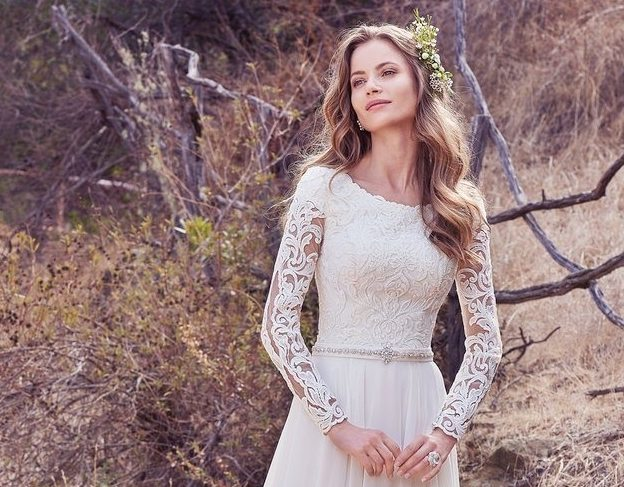 21 great bridal gowns for a 2017 fallwinter wedding junglespirit Image collections