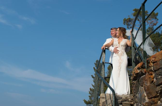 Pnina Tornia Real Wedding | PreOwnedWeddingDresses.com