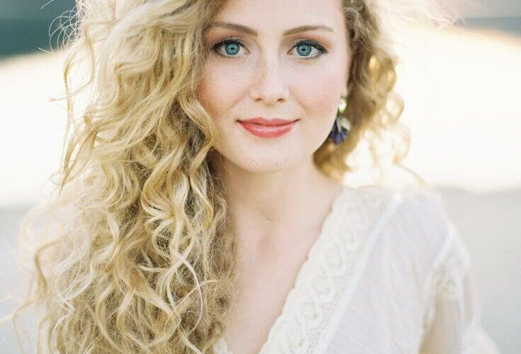 natural curly hair wedding hairstyle