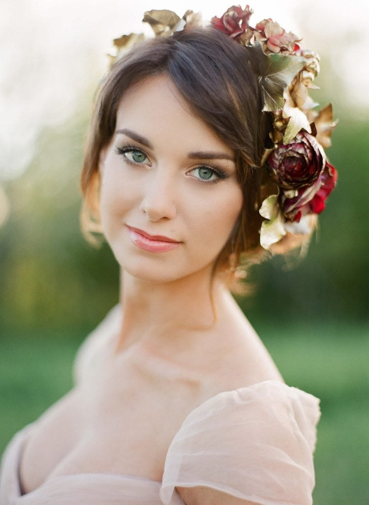 defined eyes and coral lip wedding makeup