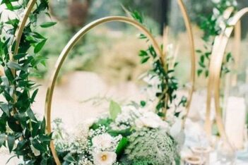 wedding table centerpiece with a double hoop design