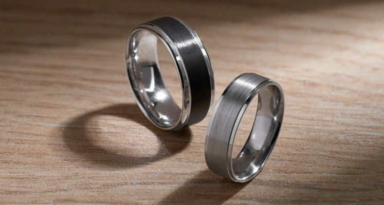 Mix of men's wedding bands