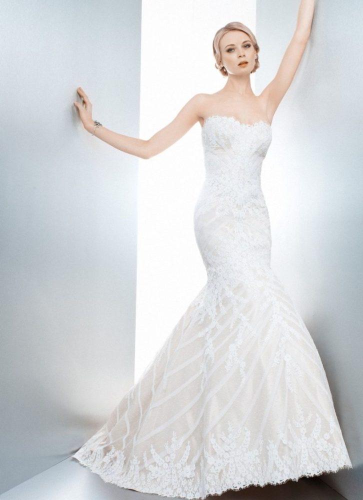 bride posing in Matthew Christopher Sofia