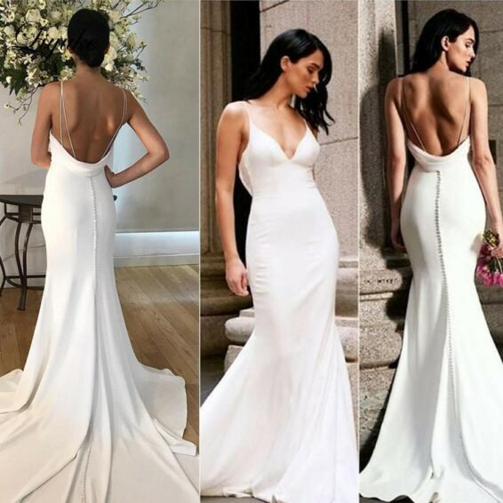 Dress feature trumpet wedding dress