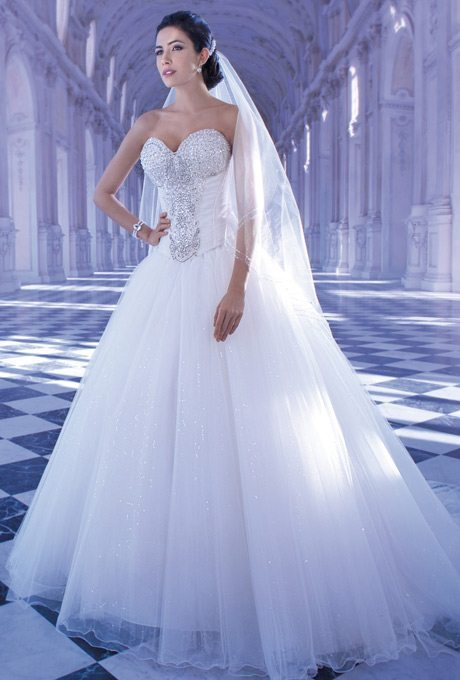 2872-demetrios-young-sophisticates-wedding-dress-primary