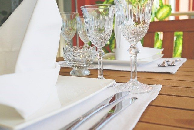 3 wedding table setting
