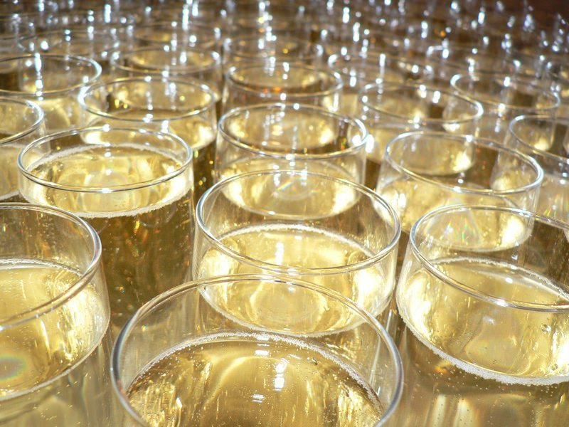 Wedding Gifts For Second Marriages Etiquette: Serving Alcohol At Your Second Wedding? Use The Following