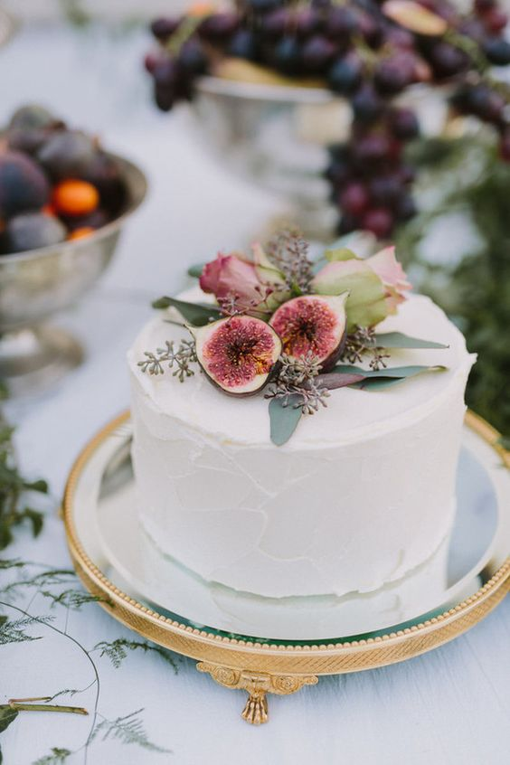Single tier wedding cakes herbs