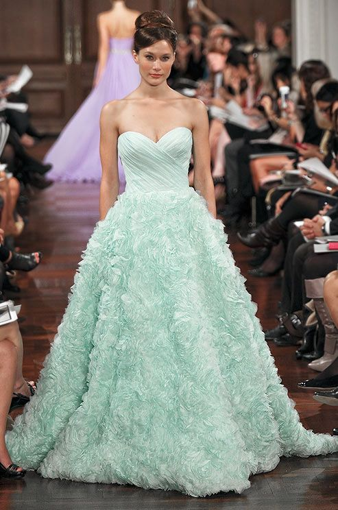 Gorgeous Green Wedding Gowns For The Unique Bride