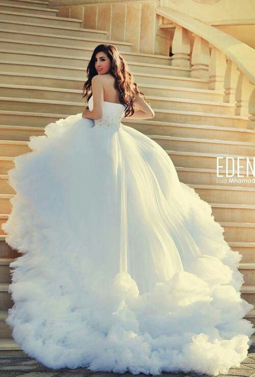 10 cinderella inspired gowns for brides of all ages for Big beautiful wedding dresses