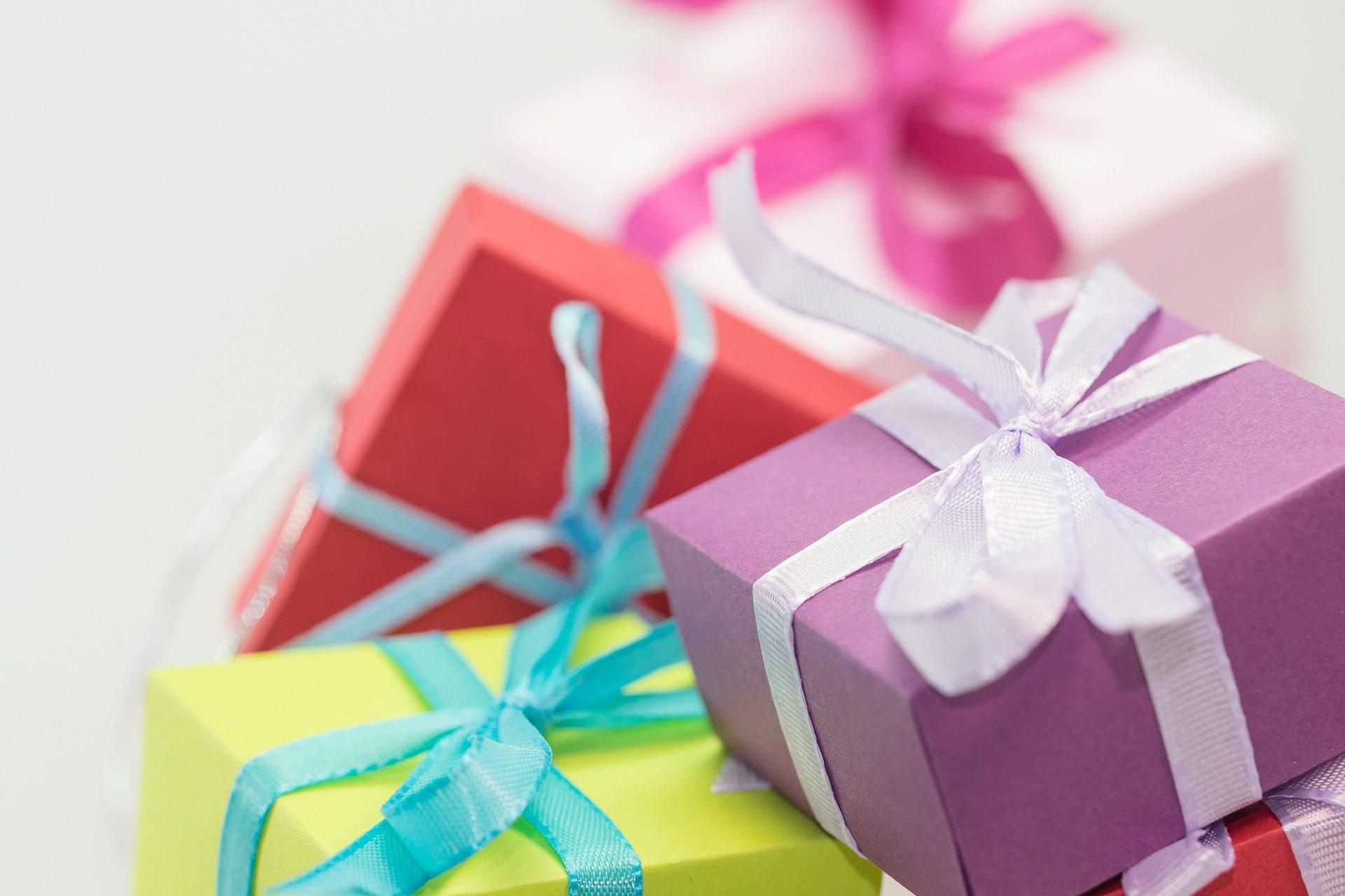 Wedding Gift Etiquette Tips