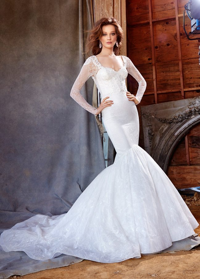 lazaro-bridal-chantilly-lace-fit-and-flare-corset-venise-lace-sweetheart-fitted-gathered-skirt-chapel-3560_zm