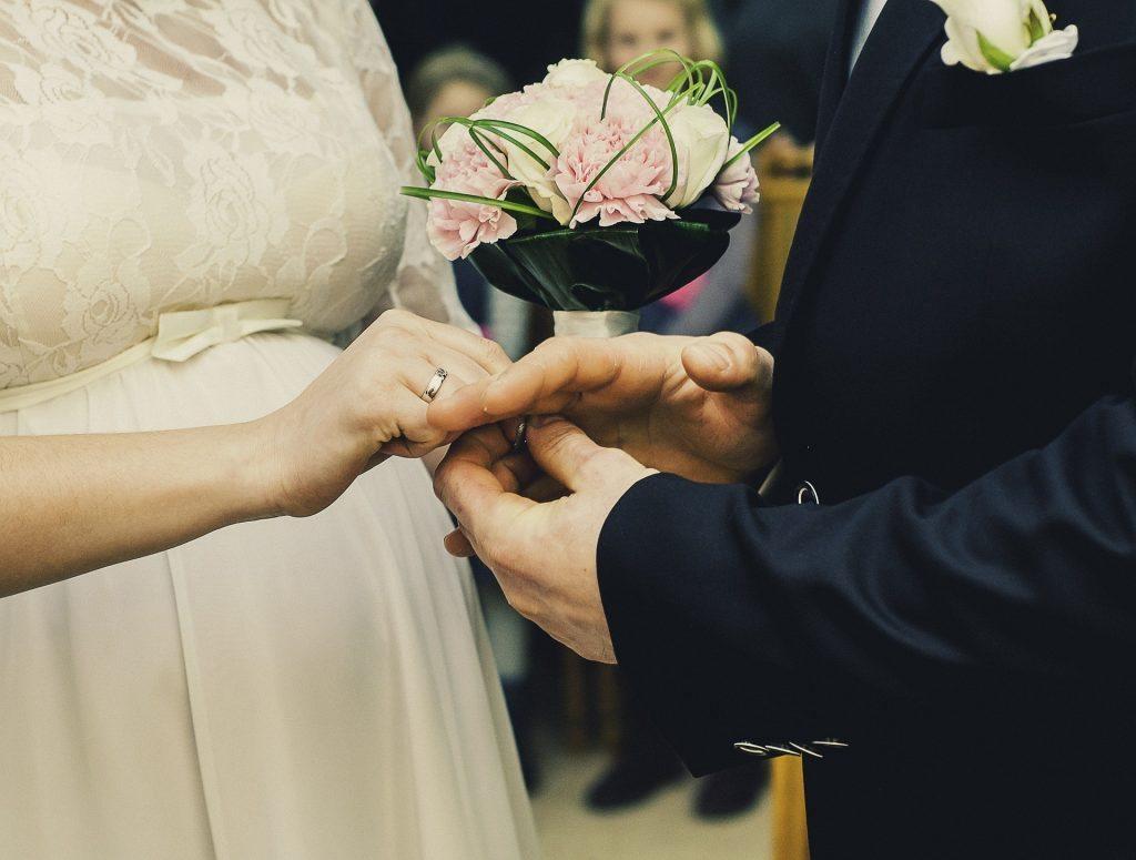 wedding-931912_1920